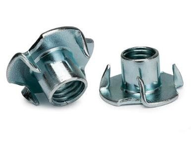 DIN1624 zink çeliku karboni me katër arrë thua